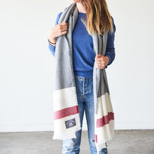 Load image into Gallery viewer, BLANKET SCARF NSTP