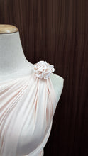 Load image into Gallery viewer, TDY Aelan Dress Flower Brooch