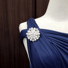 Load image into Gallery viewer, TDY Grette Dress Brooch