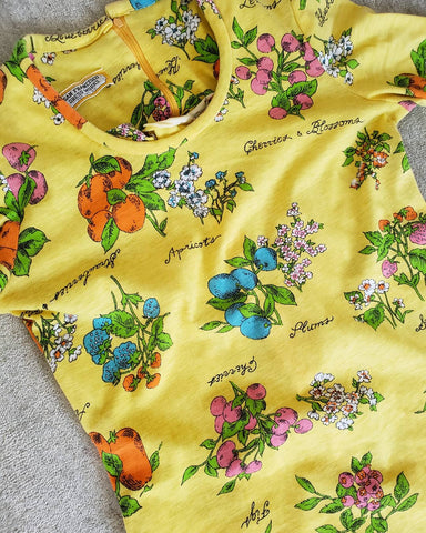 '70s Fruits and Florals Illustrated Maxi Dress Size S / M