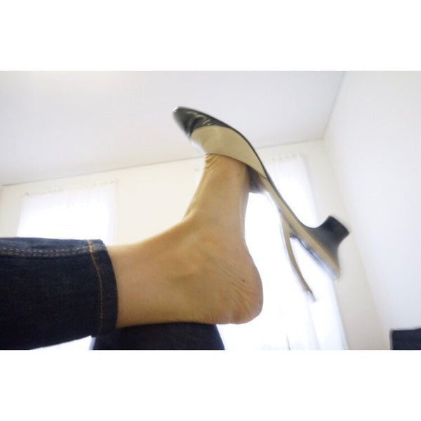 Salvatore Ferragamo Vintage Slingback Low Heels in Ivory Patent Leather with Black Patent Toe