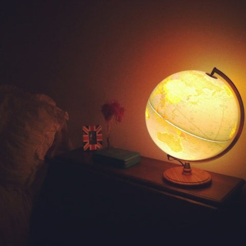 Vintage Light-Up Globe Lamp with Wooden Base