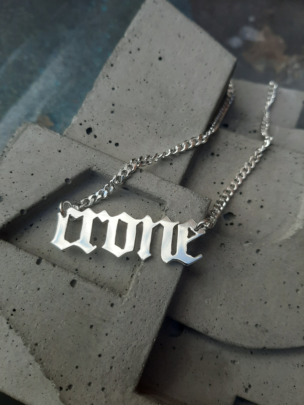 WORD PLATE NECKLACE