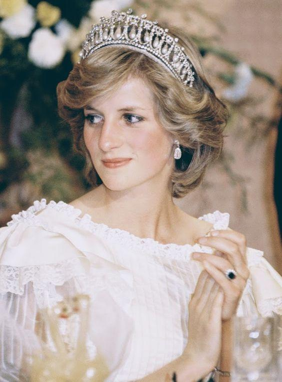 Princess Diana's 30 most treasured jewellery pieces | DÉCOR RARO