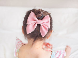 Sailor Bow (Large) - Soft Pink Velvet