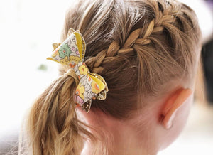 Avery Bow Hair Clip- Daisy Floral