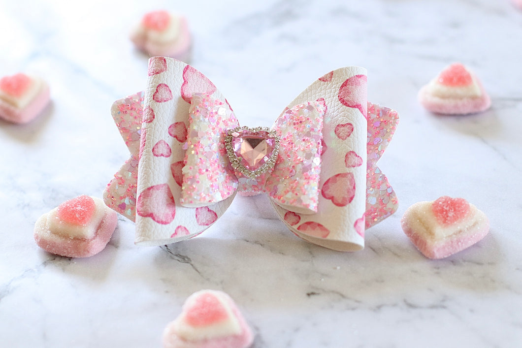 Sadie Bow (Large) - Pink Crystal Heart Print