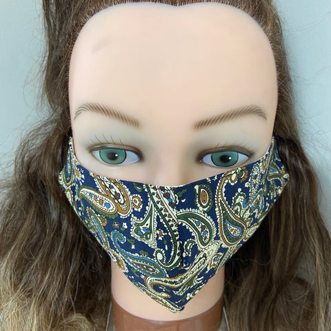 Vintage-inspired cotton face mask with adjustable earstrings