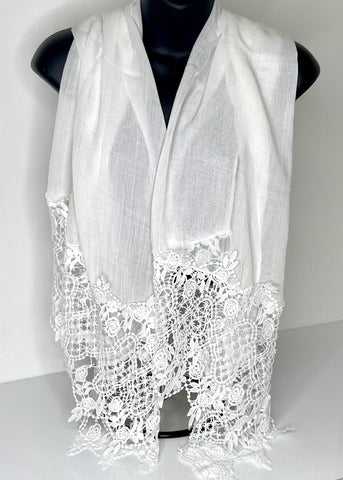 White italian-laced edge look scarf