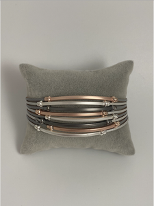 Magnetic bracelet, with rose gold, silver and gun metal leather strands