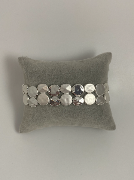 Elasticated two-row dimple circle bracelet in silver