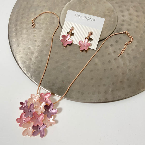 Floral design short necklace and earring set