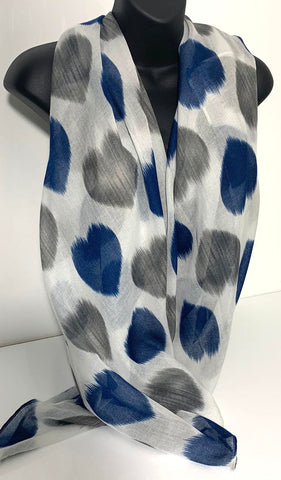 Faded heart design scarf in grey, white and navy