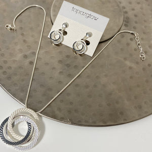 Concentric circles design short necklace and earring set