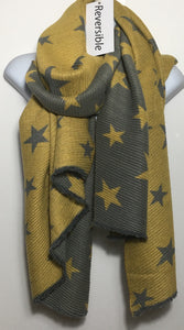 Soft, reversible pleated star design scarf