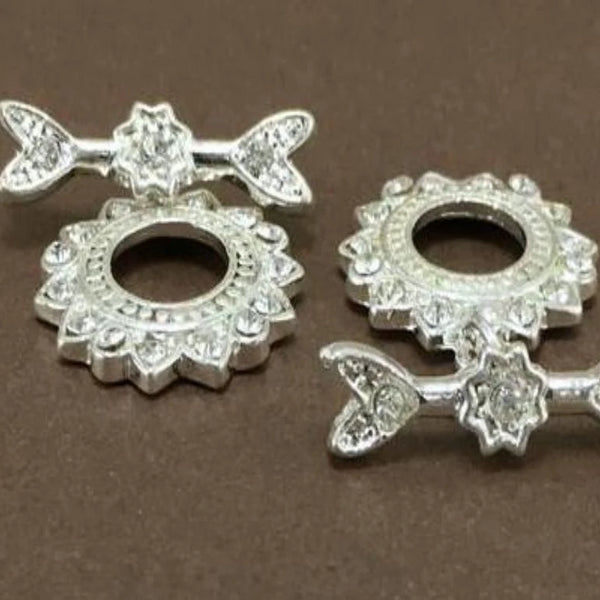 Flower Jewelry Toggle with Crystal Stones | Fashion Jewellery Outlet