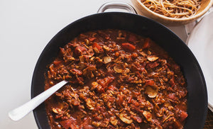 Spicy bolognese sauce with mushrooms and walnuts