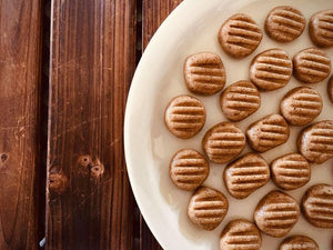 Raw hazelnut cookies - 3 ingredients - 5 minutes
