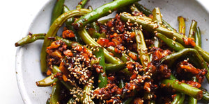 Oriental green beans with walnuts