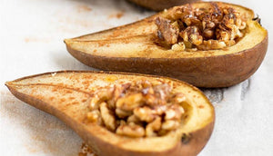 Baked pears with cinnamon