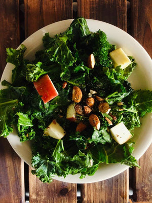 Kale salad with almonds and apples