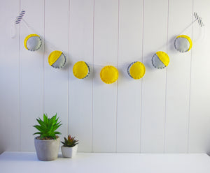 DIY Phases of the Moon Garland