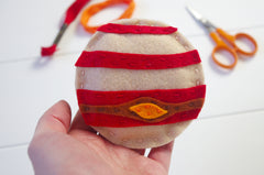 How to sew your own planets garland