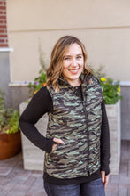Load image into Gallery viewer, Charlie Zip Up Vest - Camo