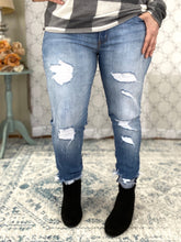Load image into Gallery viewer, Break the Mold KanCan Skinny Jeans