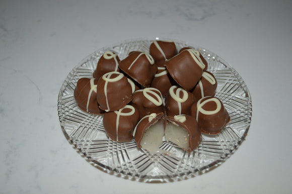 Milk Chocolate Vanilla Creams (Half Pound Box)