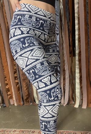 Load image into Gallery viewer, Chelsea Geometric Elephant Print Legging