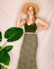 Load image into Gallery viewer, Vida Floral Midi Skirt