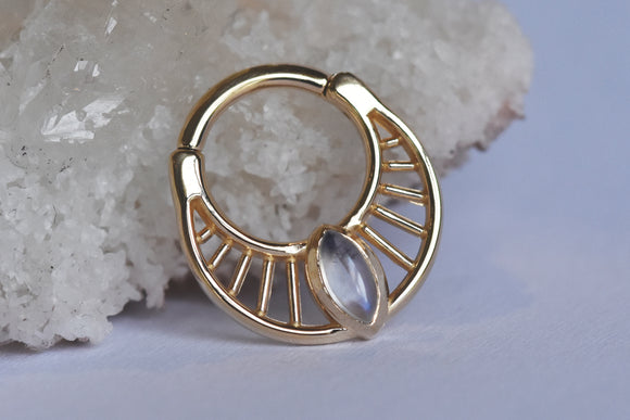 Claudia Snap Ring - Moonstone