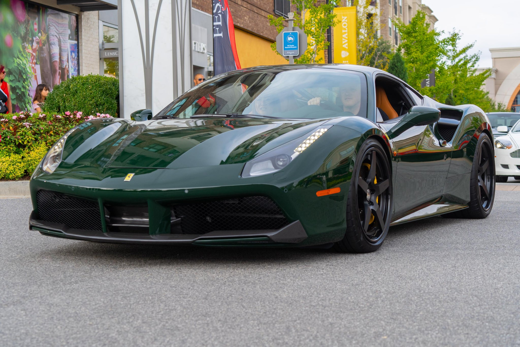 Verde British Racing Ferrari 488 GTB
