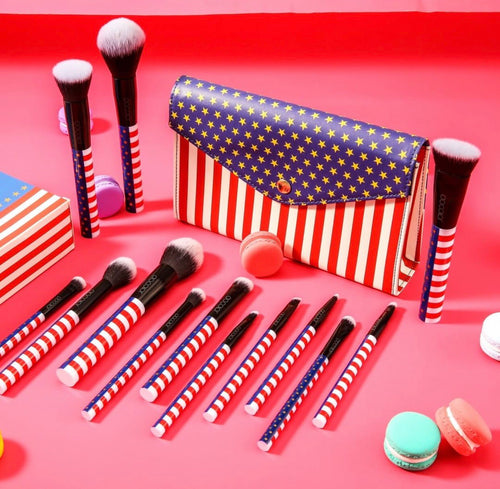 Docolor Brushes Stars and Stripes inc makeup case