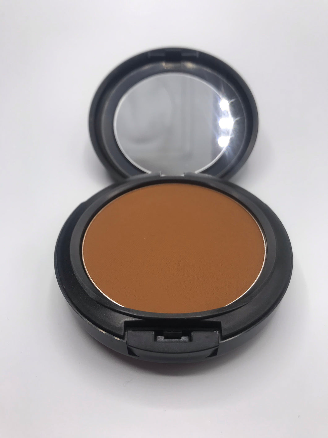MAC Studio Fix Foundation NW46