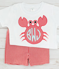 Load image into Gallery viewer, Appliqué Crab Shirt & Shorts