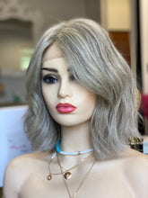 Load image into Gallery viewer, Blanche Euro Gripper Wig