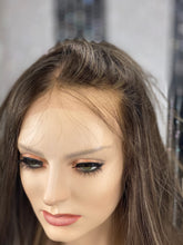 Load image into Gallery viewer, Dakota Silk Illusion Wig