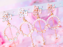Load image into Gallery viewer, Spring Blossom Earrings