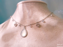 Load image into Gallery viewer, Winterly Imil (Necklace + Earrings)