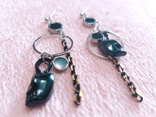 Load image into Gallery viewer, Black Skull Earrings