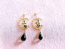 Load image into Gallery viewer, Witch's Tear Earrings