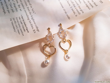 Load image into Gallery viewer, Honeymoon Earrings