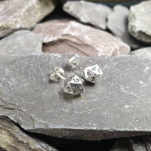 Load image into Gallery viewer, D20 earrings