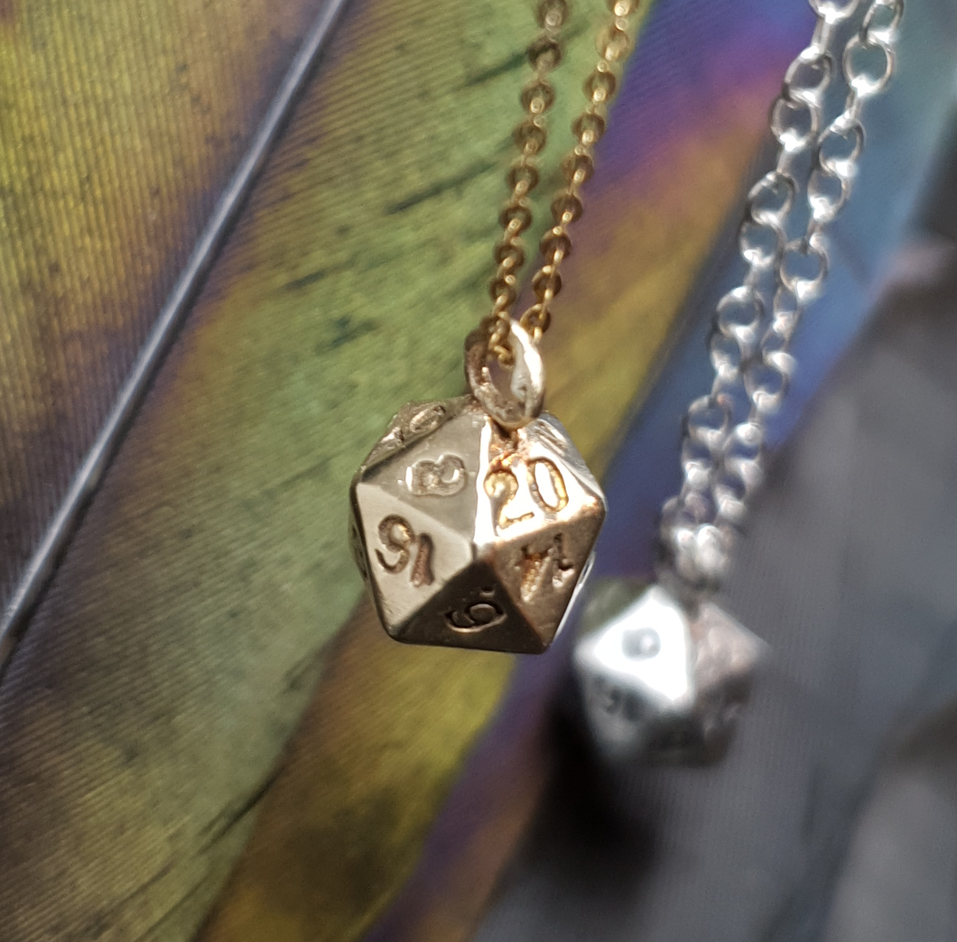 9ct gold D20 necklace