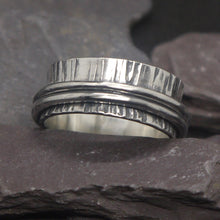 Load image into Gallery viewer, Beautiful spinning silver ring inspired by trees