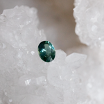 Load image into Gallery viewer, 1.65 Carat Two-Tone Teal Oval Cut Montana Sapphire