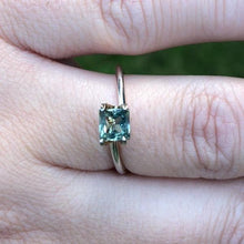 Load image into Gallery viewer, Montana Sapphire .88 carat Color Change Light Green Blue to Olive Green Princess Cut