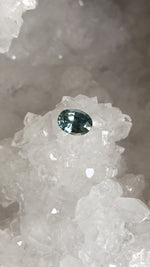Load image into Gallery viewer, Montana Sapphire 1.70 Carat Blue Green Gray Oval Cut